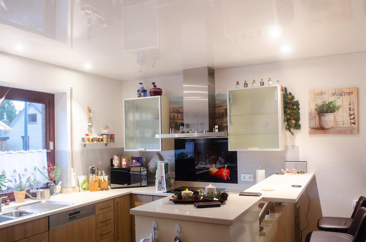 Kundenreferenz – Küche Spanndecke – Buben Raum und Design