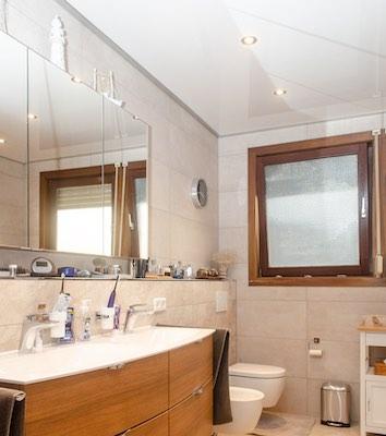 Referenz Teaser Badezimmer Spanndecke – Buben Raum und Design